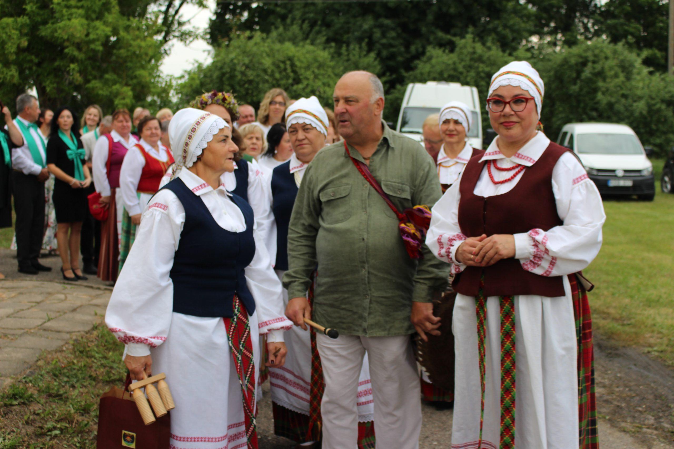 """Tradicinė kaimo šventė Juodpėnuose """"Po liepa"""""""